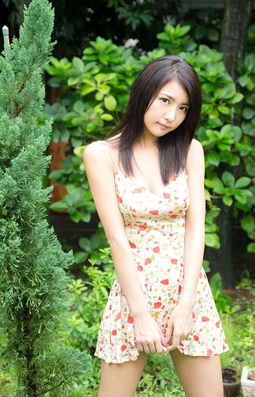 石川恋のスレンダー美乳おっぱい3