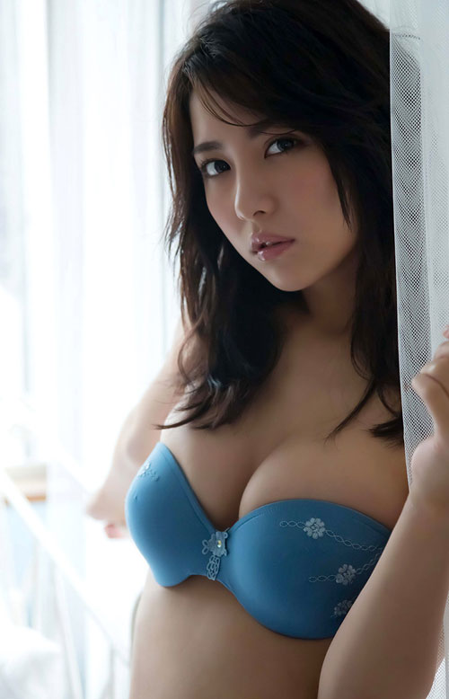 石川恋のスレンダー美乳おっぱい22