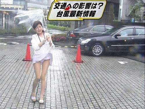 【見逃し厳禁】台風生中継のパ●チラ率が異常wwwwwwwwwww(エ□キャプ画像あり)