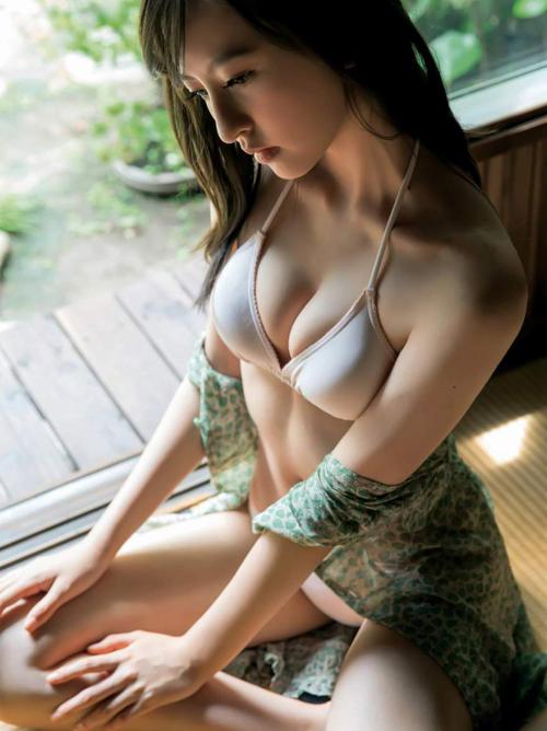 森保まどか(18) HKT48のクールビューティー。