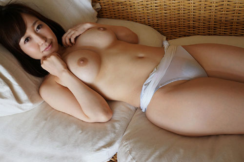 篠田ゆうFカップ美巨乳おっぱい17