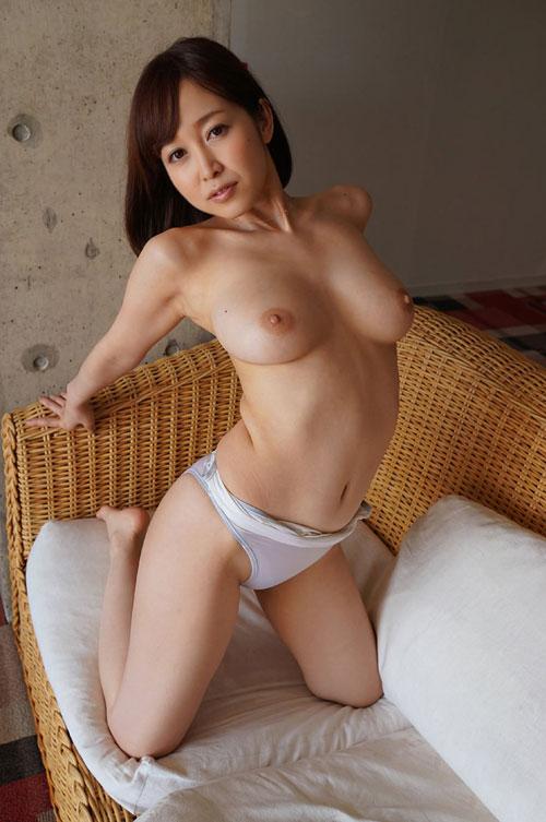 篠田ゆうFカップ美巨乳おっぱい20