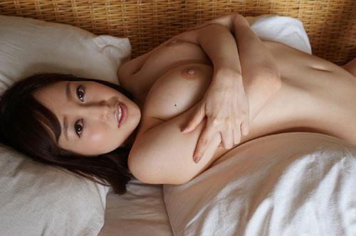 篠田ゆうFカップ美巨乳おっぱい23