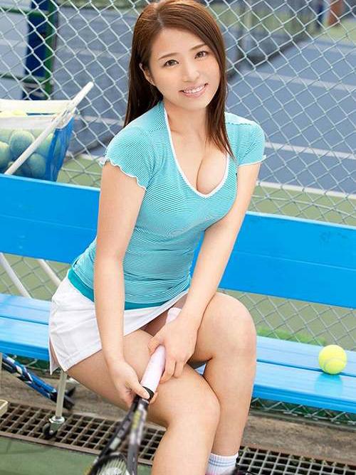 聖あいら Eカップテニスアスリート敏感美女の巨乳おっぱい画像
