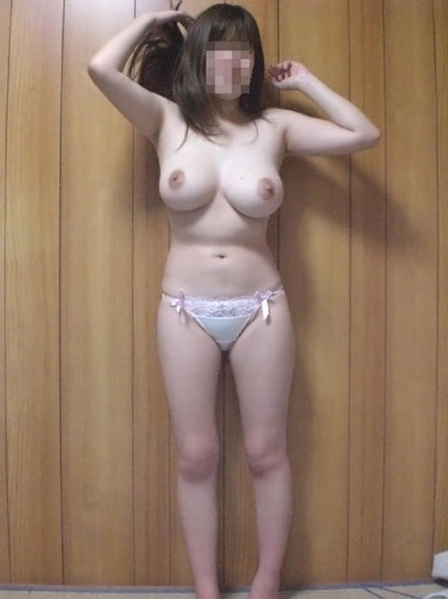 【おっぱい エロ画像】素人さんの丸みのある美巨乳まとめwww