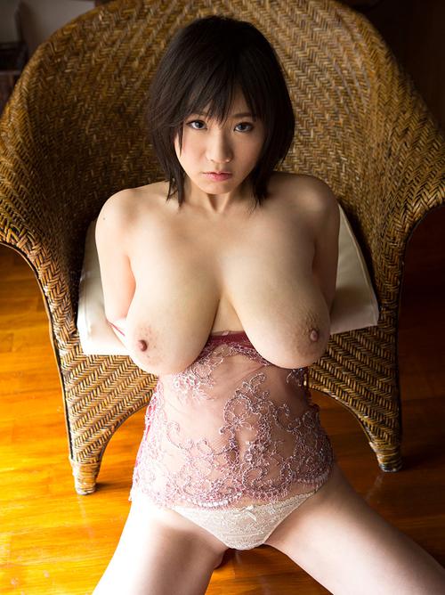 澁谷果歩ちゃんの垂れ乳ドスケベボディがエロ過ぎて抜ける!