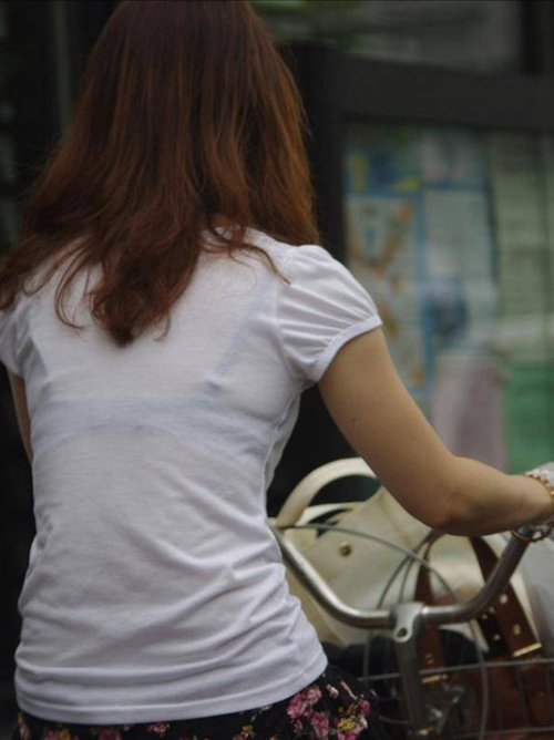 【透け エロ画像】透けブラメインの素人街撮り盗撮画像まとめ!