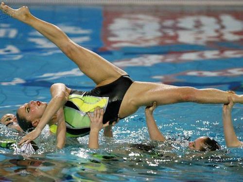 【女子アスリート】シンクロ選手の大開脚の股間画像