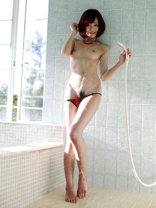 シャワー浴びて濡れてるおっぱい16