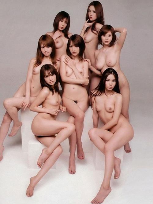 【おっぱいがいっぱい】女性団体の全裸フルヌード美乳おっぱいを独り占めぇぇぇwwwwww
