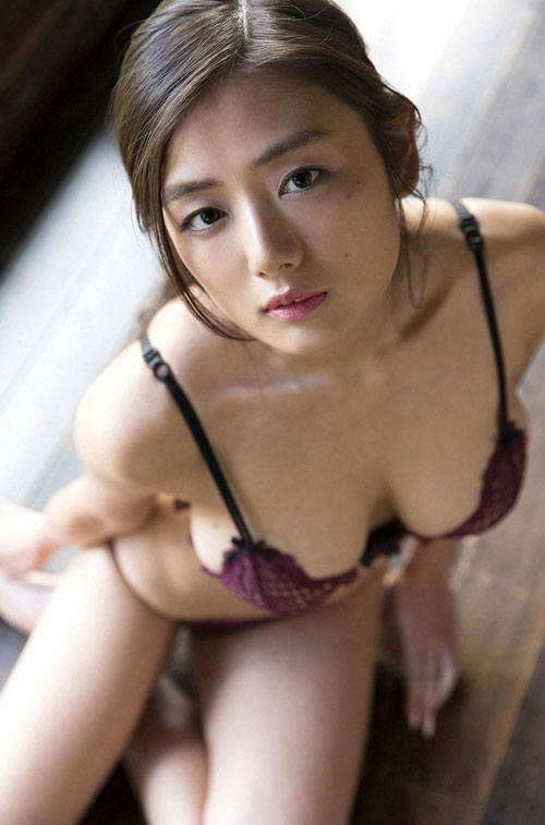 片山萌美の垂れ巨乳おっぱい萌え48