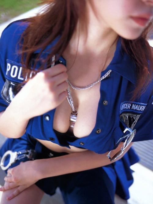 【コスプレエロ画像】逮捕されてエッチな取調べを受けてみたい婦警さんの三次元エロ画像まとめ その6