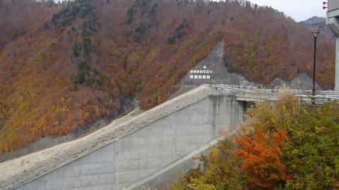 奈良俣ダムに寄りました。