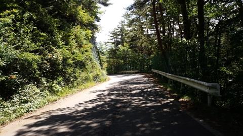 川上村から、大蔵峠に向かいます。プチ峠越え。