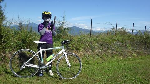 八ヶ岳をバックに記念写真