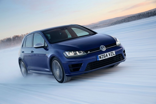 Volkswagen-Golf-R-driving-on-snow-covered-roads-1024x682.jpg