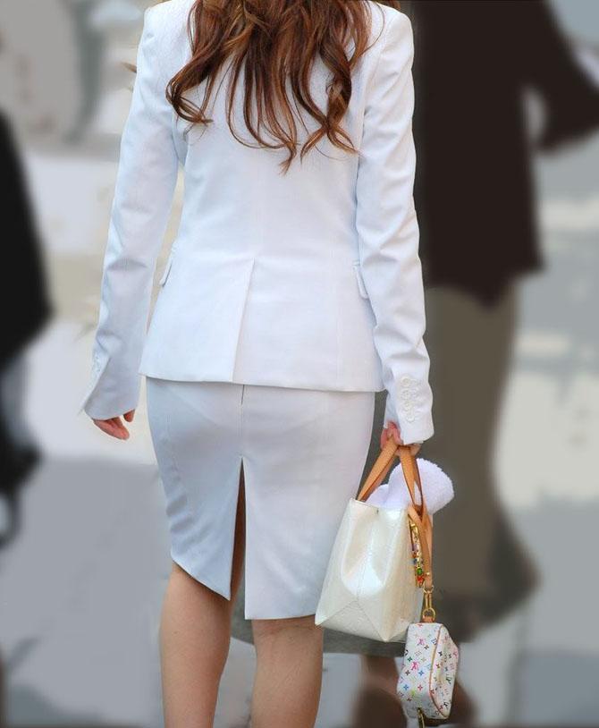 OL・タイトスカートのオネエさん達の透けパンツ丸見え・パン線えろ写真