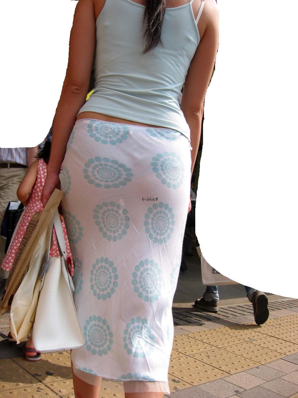 これだけ透けてれば履いてないも同然のシロウト透け透けパンツ丸見え写真(20枚)