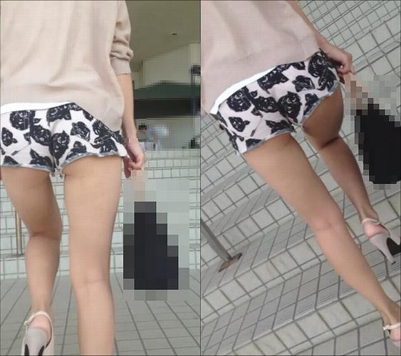 尻肉を見せつけて街にいるえろい女を隠し撮りしたえろ写真
