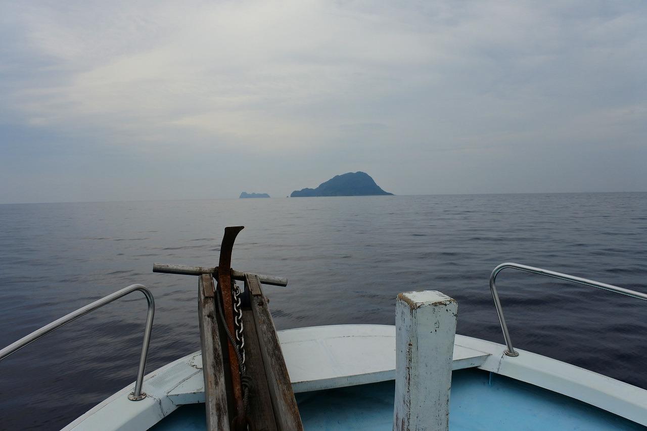 京都府 舞鶴 冠島とダイビングボート