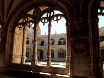 ポルトガル132ジェロニモス修道院回廊