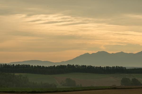 朝焼けの山-9711