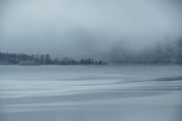 早朝の湖面-5900