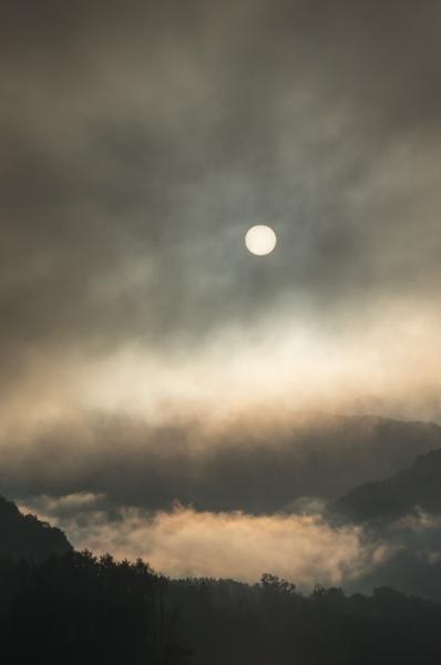 早朝のシューパロ湖日の出-0579