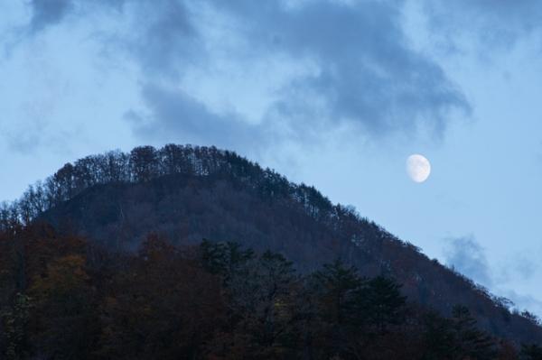 森町滝の月-8055