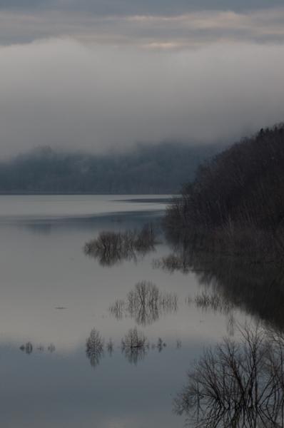シューパロ湖面