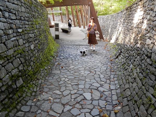 石垣石畳の通路