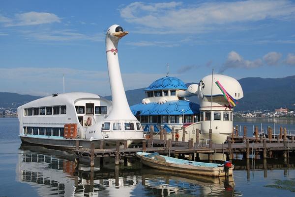 スワン&カメの船
