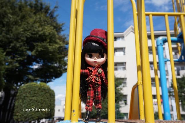 Chiaki on slide DSC07962_Fotor