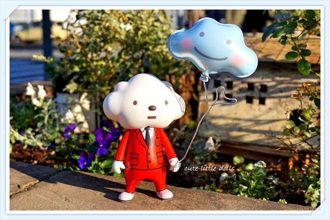 Mr Cloud with cloud balloon DSC08096_Fotor