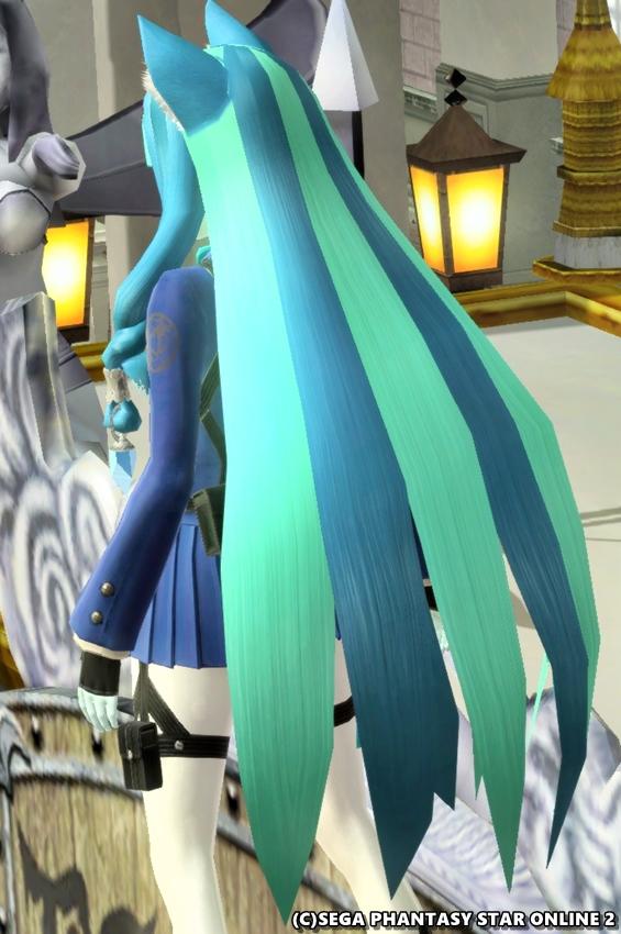 青と水色のコントラストが綺麗なミスティックSヘアー2