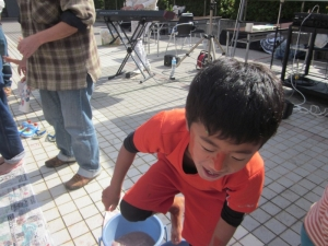 15-11-3笑市&書・アートパフォーマンス (137)