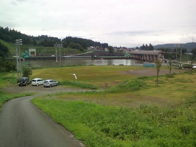 JR信濃川発電所の宮中ダムのそば