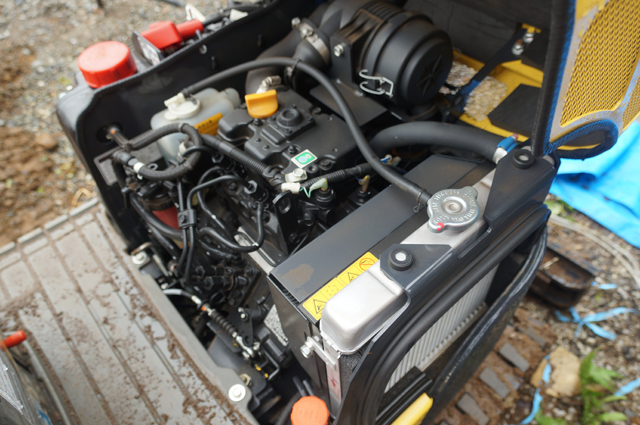2TE67L-BV3 ヤンマー水冷2気筒ディーゼルエンジン