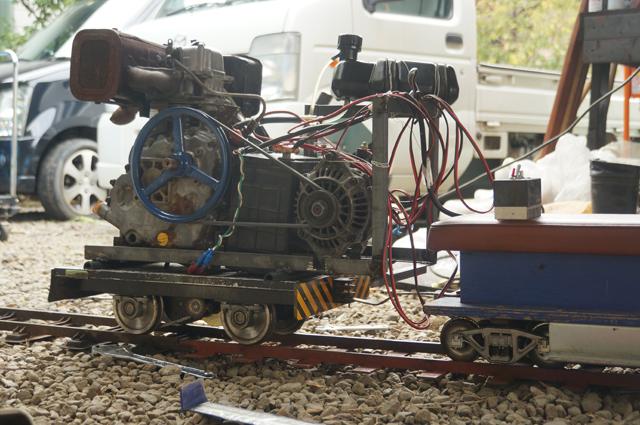 日本初?5インチゲージの電気式ジーセル機関車・ディーゼルハイブリッドもしかしてスカイアクティブ?