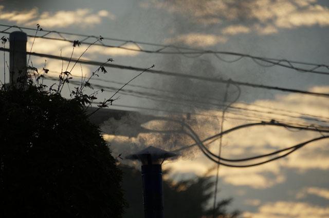 煙を見るとイマジネーションがわく 陣笠煙突
