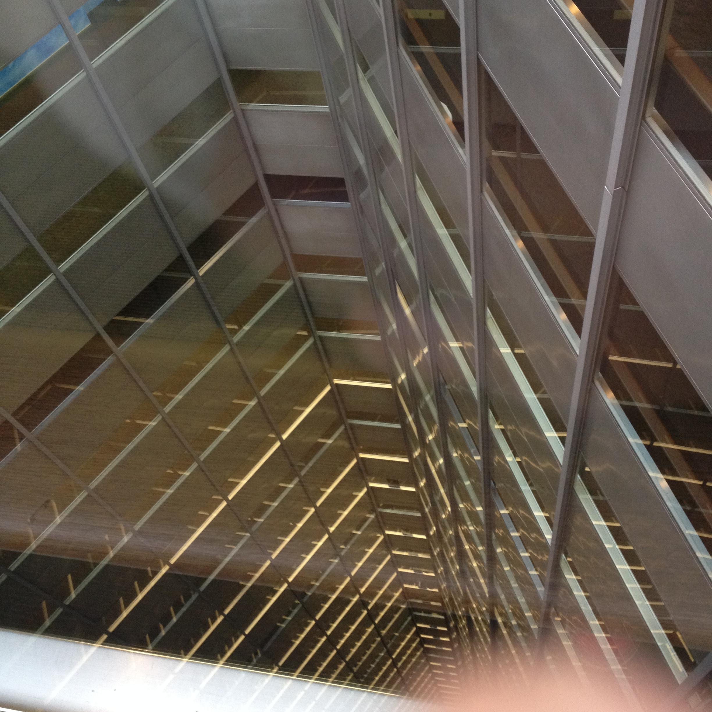 三角ビル内部