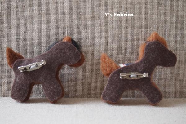 お馬のブローチ、好評です。