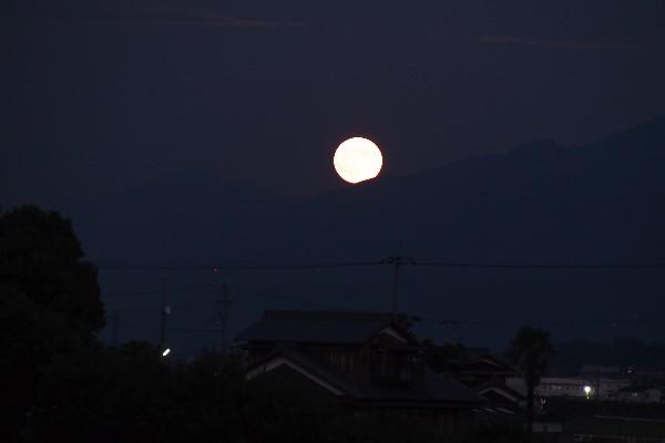 満月の風景