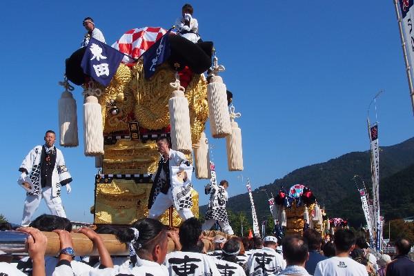 新居浜太鼓祭り 山根統一寄せ 会場へ向かう東田太鼓台