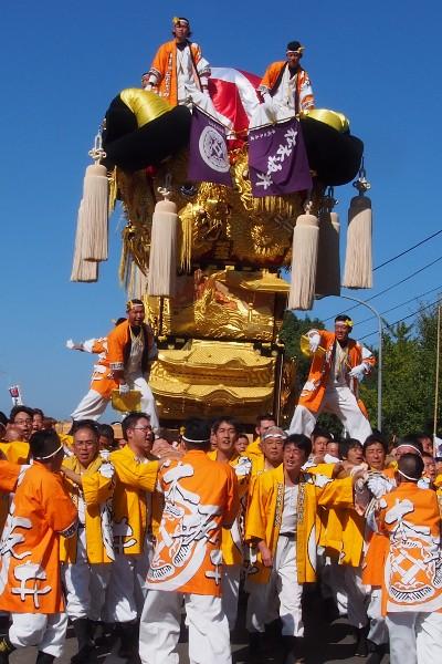 新居浜太鼓祭り 山根統一寄せ 会場へ向かう松木坂井太鼓台