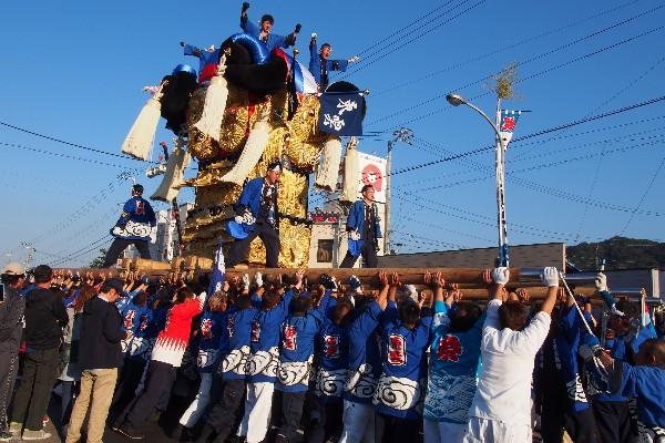 新居浜太鼓祭り 多喜浜駅前 9台のかきくらべ 東雲太鼓台