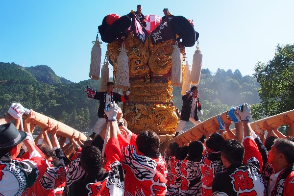 新居浜太鼓祭り 山根グラウンドへ入場 「高祖太鼓台」