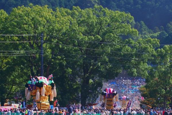 新居浜太鼓祭り 上部地区山根統一寄せ 会場へ向かう太鼓台