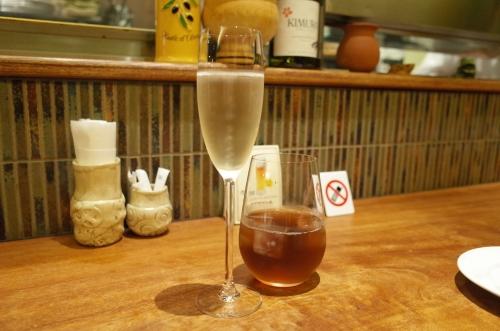 シャンパンと烏龍茶