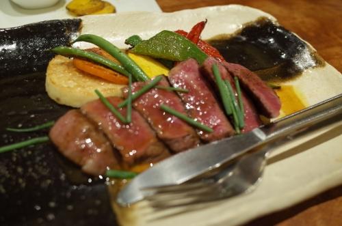 鳥取県産黒毛和牛のステーキと焼野菜